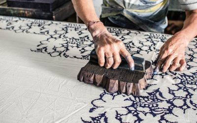 How to Print on Fabric With Household Items